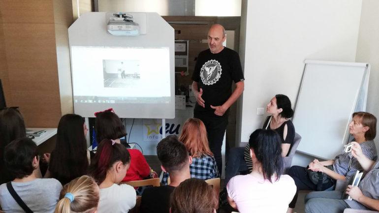 Матуранти Карловачке гимназије на међународном фестивалу визуелне уметности